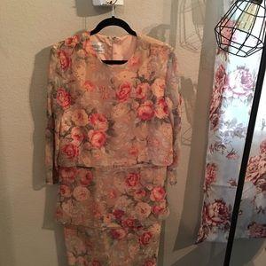 VINTAGE Rose dress, so pretty size 10